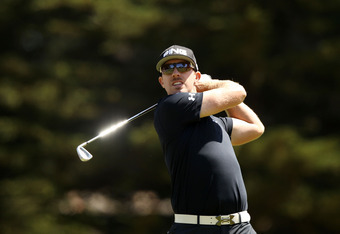 SAN FRANCISCO, CA - JUNE 16:  Hunter Mahan of the United States hits his tee shot on the third hole during the third round of the 112th U.S. Open at The Olympic Club on June 16, 2012 in San Francisco, California.  (Photo by Ezra Shaw/Getty Images)