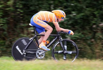 CHOLET, FRANCE - JULY 08:  Denis Menchov of Russia and team Rabobank in action during the first time trail of the 2008 Tour de France on July 8, 2008 in Cholet, France.  (Photo by Jasper Juinen/Getty Images)