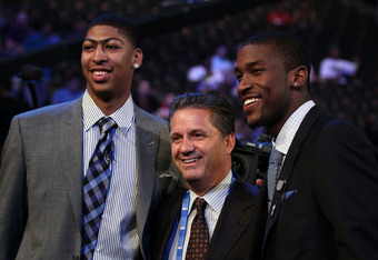 NEWARK, NJ - JUNE 28:  (L-R) Anthony Davis, head coach John Calipari and Michael Kidd-Gilchrist of the Kentucky Wildcats pose during the first round of the 2012 NBA Draft at Prudential Center on June 28, 2012 in Newark, New Jersey. NOTE TO USER: User expr