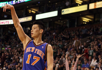 Toronto's pursuit of Landry Fields makes Jeremy Lin's return to the Knicks seem even more inevitable.