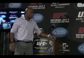 Silva making his way toward Sonnen