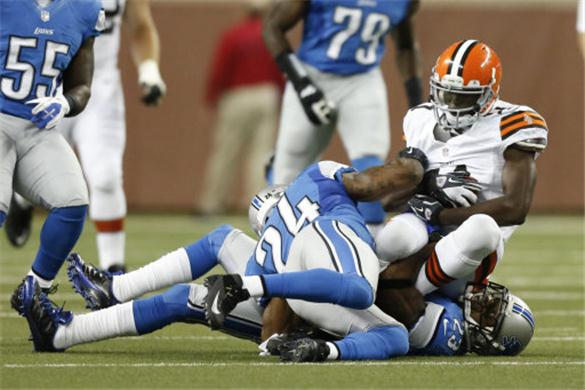 Cleveland-browns-wr-mohamed-massaquoi-out-with-concussion-faces-season-exit-nfl-news-180055_original