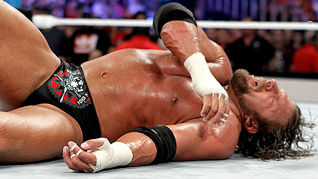 Water Vs Fire Arm Wrestling: WWE SummerSlam 2012 Results: Triple H Exposed In Main