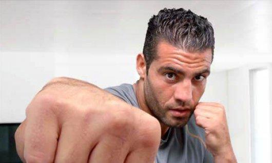 По мнению врача рассечение у Чарра не позволяло продолжить бой с Кличко
