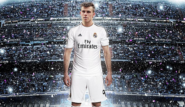 Cristiano Ronaldo And Real Madrid Teammates Unveil New 2013 14 Kit