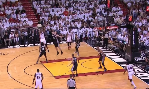 Chris Bosh hits the jumper.