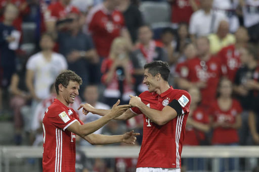 Lewandowski Hat-Trick Gives Bayern Dream Start