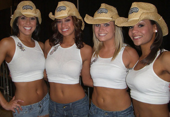 San_antonio_spurs_cheerleaders-10021_crop_340x234