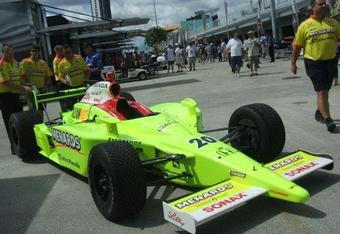 Indycarpic-carpenter_crop_340x234