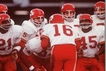 Chiefsoffensehuddle_crop_150x100