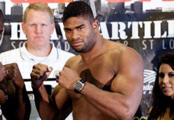 Strikeforceheavyweightchampalistairovereem3_crop_340x234