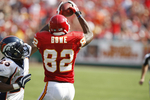 Dwayne-bowe-catch_crop_150x100