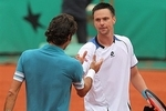 Roger-federer-defeated-by-robin-soderling-at-french-open-quarter-finals-3-6-6-3-7-5-6-4-7063000300_crop_150x100