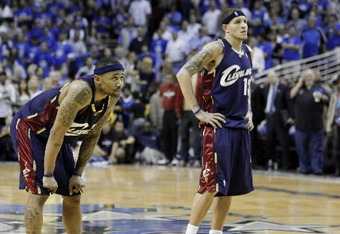Mo-williams-delonte-west-third-ballhandlerjpg-f3beae87c9c61b4a_crop_340x234