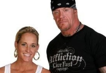 The-undertaker-michelle-mccool_crop_340x234