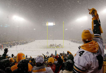 Lambeau_field_snow_crop_340x234