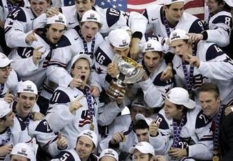 100106050719wjhc_team_usa_gold_medal_2_crop_340x234
