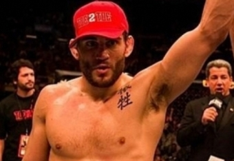 Medium_jon_fitch_outwrestles_thiago_alves_for_unanimous_decision_victory_crop_340x234