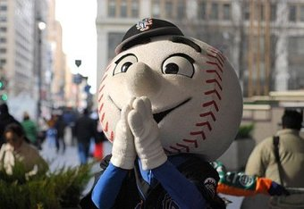 Mr-met-prays_crop_340x234