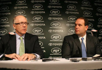 122908_woody_johnson_mike_tannenbaum_presser_320_crop_340x234