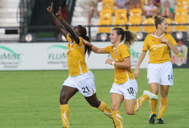 Eniola_aluko_ramona_bachmann_celebrate_948x569_crop_650x440
