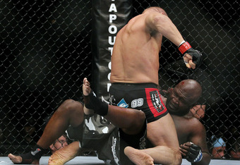 Ufc118_couture_toney_02_crop_340x234