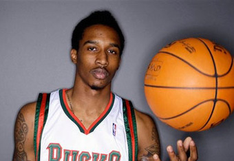 Brandon-jennings-bucks_crop_340x234