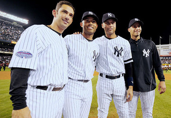 Alg_yankees_group_crop_340x234