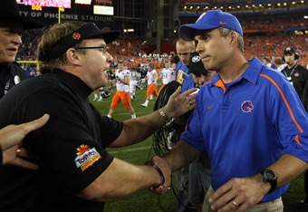 GLENDALE, AZ - JANUARY 04:  (R-L) Head coach Chris Petersen of the Boise State Broncos shakes hands with head coach Gary Patterson of the TCU Horned Frogs after the Broncos 17-10 victory in the Tostitos Fiesta Bowl at the Universtity of Phoenix Stadium on January 4, 2010 in Glendale, Arizona.  (Photo by Jed Jacobsohn/Getty Images)