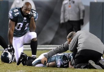 Ellis-hobbs-eagles-neck-injury_crop_340x234
