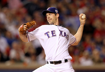 ARLINGTON, TX - NOVEMBER 01:  Cliff Lee #33 of the Texas Rangers pitches against the San Francisco Giants in Game Five of the 2010 MLB World Series at Rangers Ballpark in Arlington on November 1, 2010 in Arlington, Texas.  (Photo by Ronald Martinez/Getty Images)