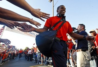 Auburn-cam-newton-tiger-walk-uk_crop_340x234
