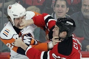 Hockey-fight_crop_310x205