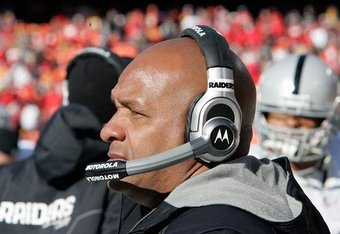 010211-raidersatchiefs26--nfl_medium_540_360_crop_340x234