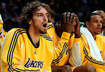 Nba_g_lakersbench_576_crop_340x234