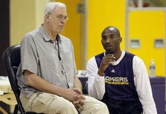 Los-angeles-lakers-head-coach-phil-jackson-listens-guard-kobe-bryant-talk-during-practice-segundo_crop_340x234