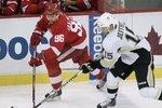 Penguins_red_wings_hockey_crop_150x100