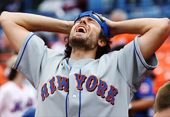 Alg_mets-fan-yells_crop_340x234