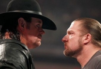 Wwe-undertaker-triple-h-return-at-raw-500x300_crop_340x234