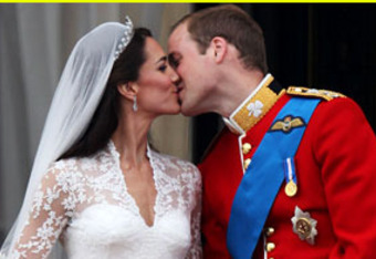 Kate-middleton-prince-william-royal-wedding-first-kisscourtesyofcdndotbuzznetdotcom_crop_340x234