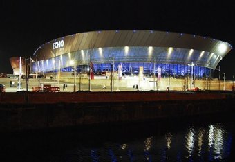 Lrliverpoolechoarena-night_crop_340x234