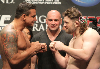Frank-mir-vs-roy-nelson-ufc-130-weigh-in_crop_340x234