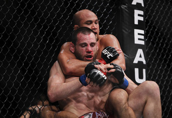 Bj-penn-and-jon-fitch-ufc-127-a_crop_340x234