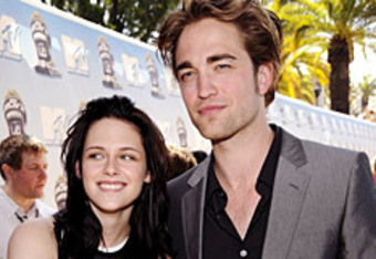 Kristen-stewart-robert-pattinson1_crop_340x234