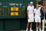 Isner-mahut-wimbledon10a_crop_150x100