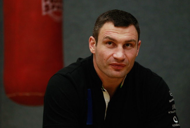 Vitali Klitschko vs. Tomasz Adamek: Live Stream, Broadcast Info and Start Time