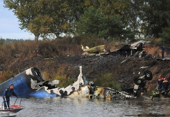155911-russian-plane-crash_crop_340x234