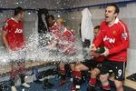 Funny-sports-pictures-manchester-united-celebration_crop_150x100