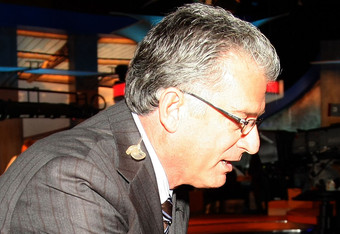 Here is a picture of Mike Pereira and his amazing spectacles.