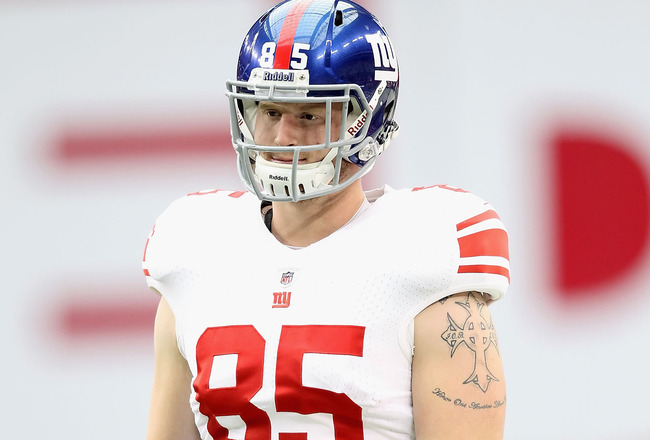 GLENDALE, AZ - OCTOBER 02:  Tight end Jake Ballard #85 of the New York Giants warms up before the NFL game against the Arizona Cardinals at the University of Phoenix Stadium on October 2, 2011 in Glendale, Arizona. The Giants defeated the Cardinals 31-27.  (Photo by Christian Petersen/Getty Images)
